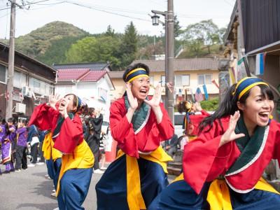 神社下会場 総踊り